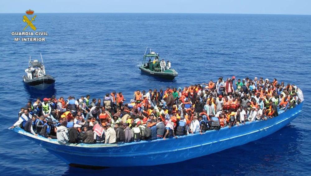 La Guardia Civil rescata a casi 600 inmigrantes