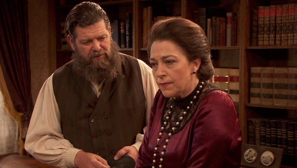 Francisca sospecha que Severo está detrás de su denuncia