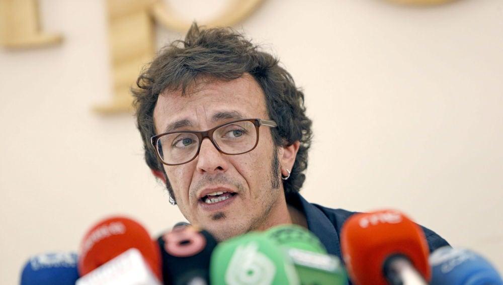 """Kichi"" se compromete a trabajar ""codo con codo"" por Cádiz"