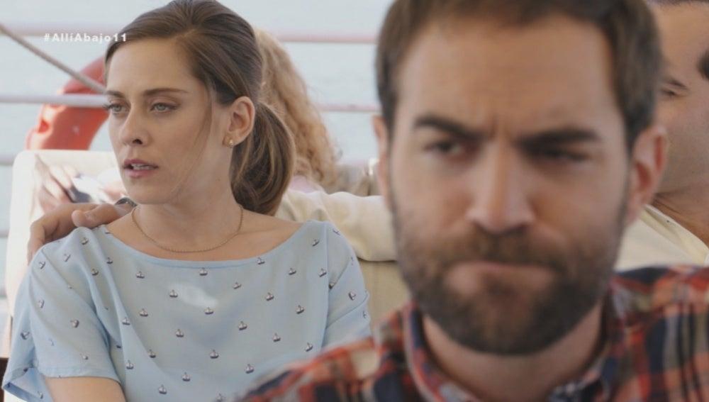 Rober se presenta con Carmen en el barco donde está Iñaki con Nekane