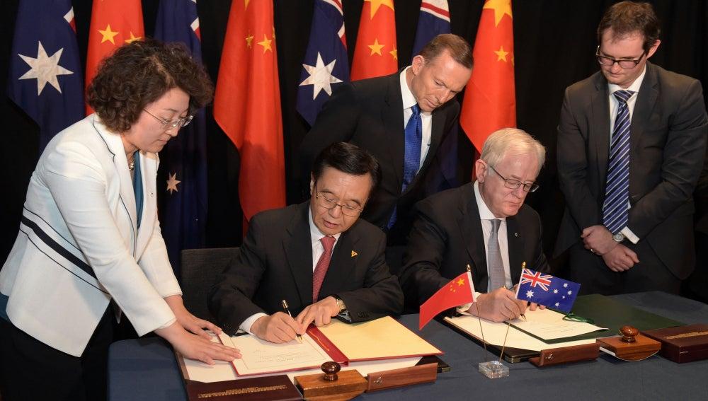 Firma del tratado de libre comercio entre Australia y China