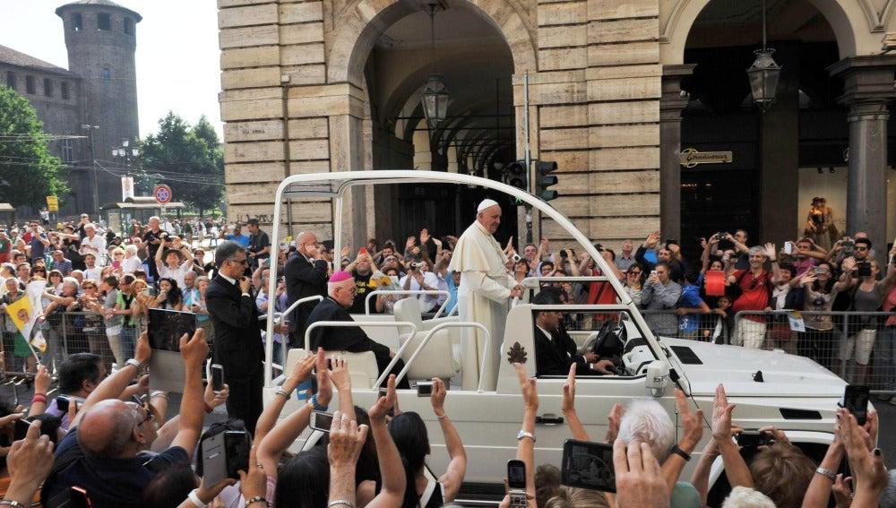 El Papa arremete en Turín contra la mafia, la corrupción, la idolatría del dinero y la economía del descarte