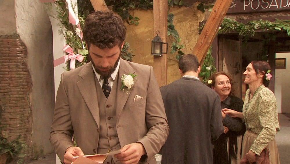 Aurora desaparece aprovechando que todos disfrutan de la boda
