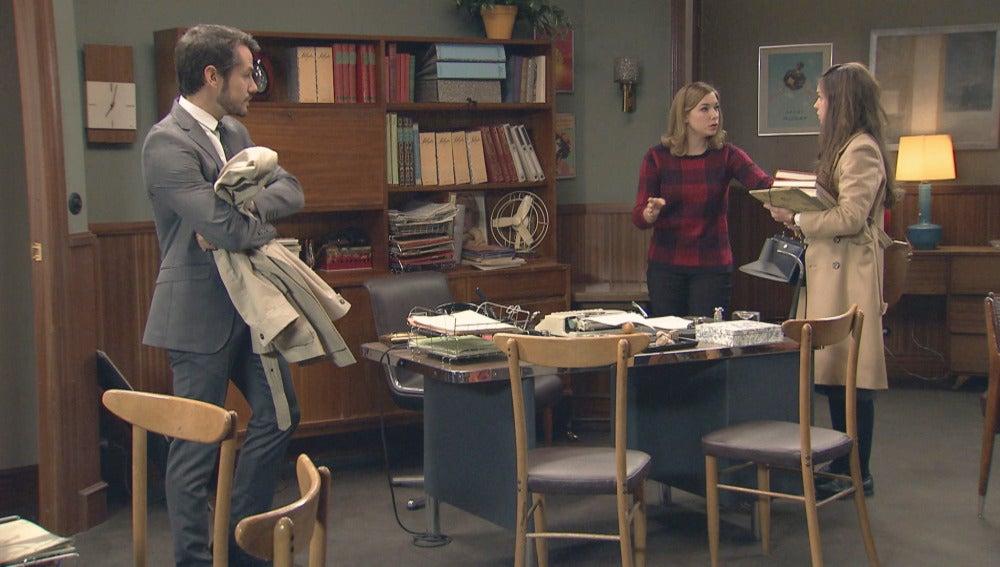 Leonor hace una encerrona a Miguel y María