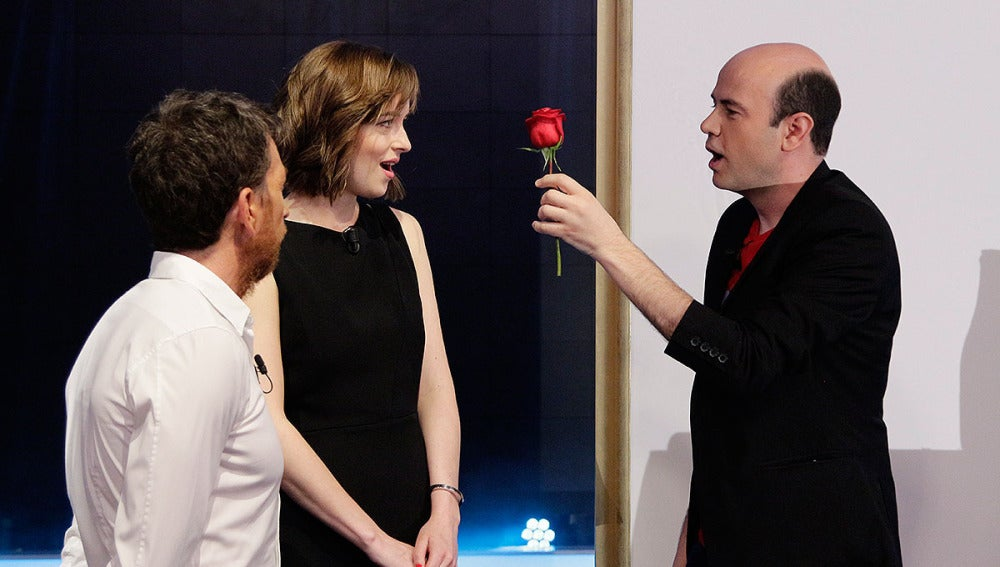 Dakota Johnson, Pablo Motos y Jandro en El Hormiguero 3.0