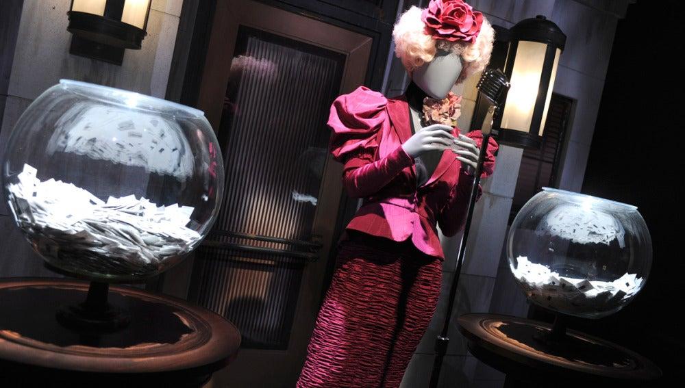 El vestido de Elizabeth Banks que da vida a Effie Trinket