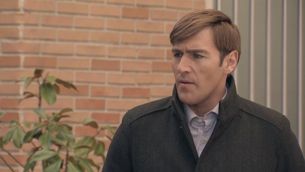 Juan prohibe la entrada de los Asturianos a su casa
