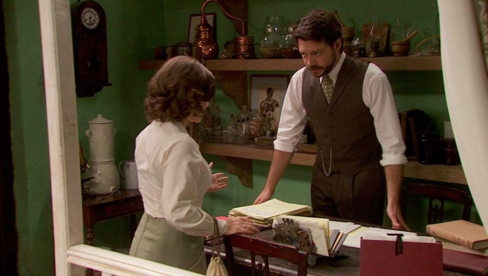 Candela presiona a Lucas para saber qué le sucede a Inés
