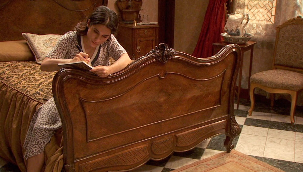 Inés escribe un libro para Beltrán