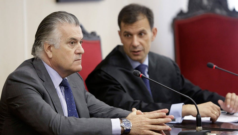 Luis Bárcenas junto a su abogado