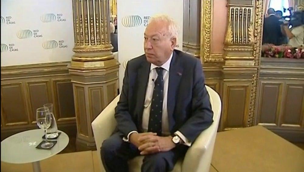 """Margallo afirma que el ministerio de asuntos exteriores está """"en plena actividad"""" para localizar a los periodistas desaparecidos"""