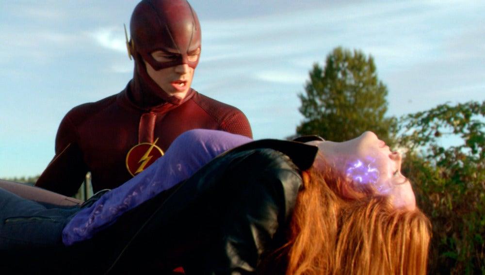 Flash debe deshacerse del cuerpo de 'Plástica'