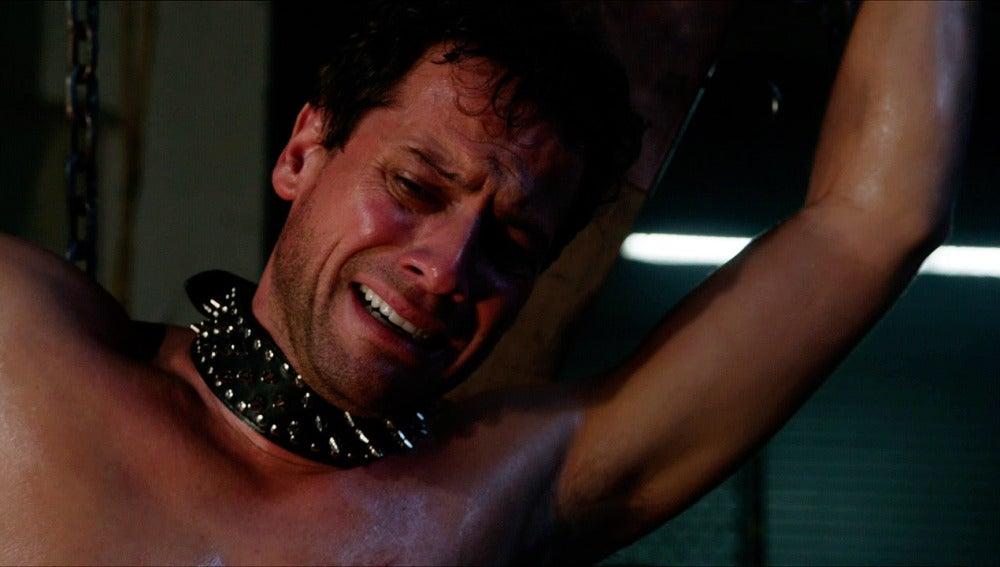 Henry es secuestrado y torturado