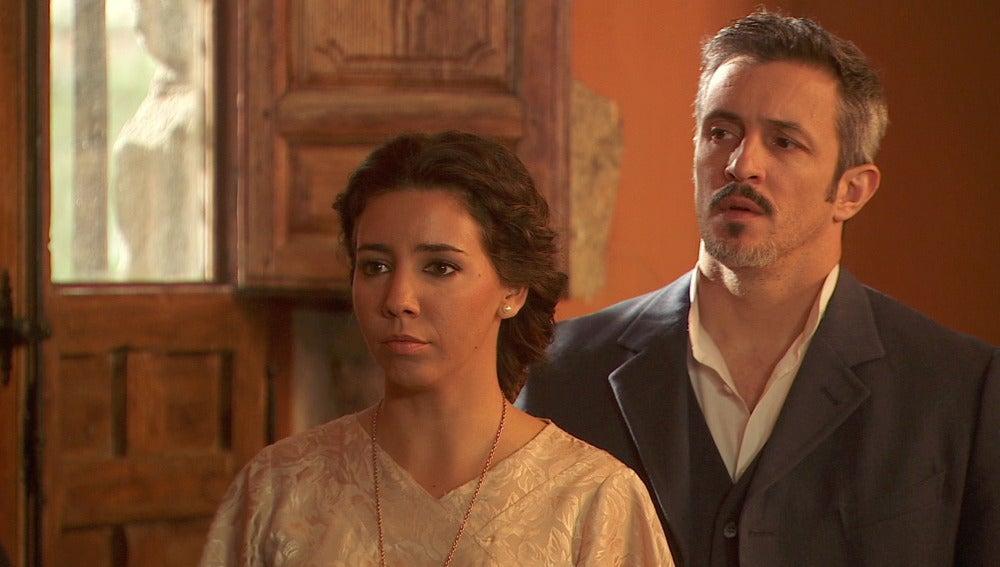 La boda de Francisca y Raimundo, interrumpida por los Castañeda