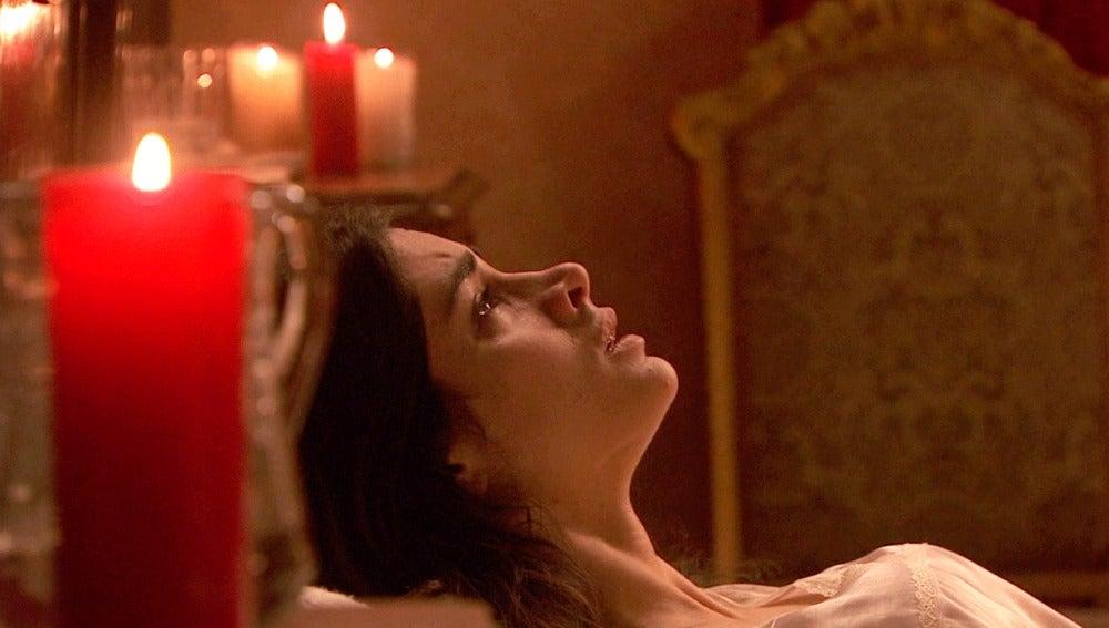 Inés se somete a un ritual sanador