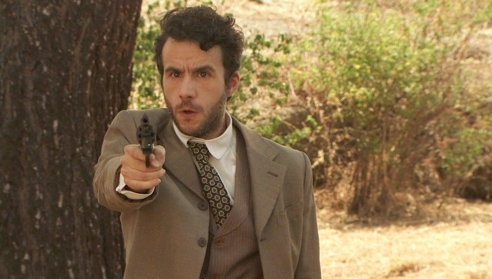 El doctor Iglesias amenaza con disparar al ser descubierta su farsa