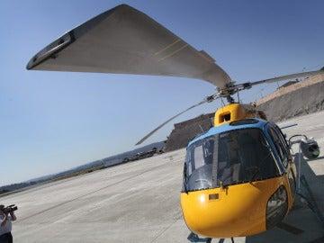 Un helicóptero de la DGT con el rádar Pegasus