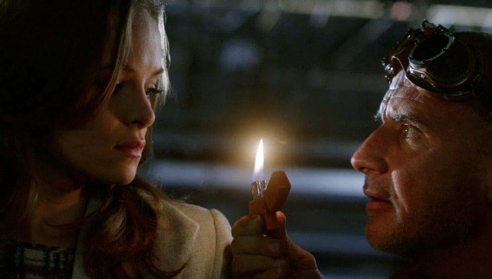 Snart y Rory secuestran a Caitlin