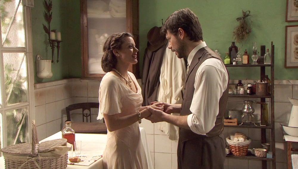 Lucas y Sol, felices con su relación