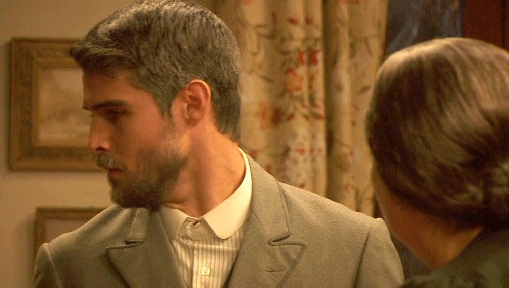 Rosario recibe a Raimundo con un bofetón