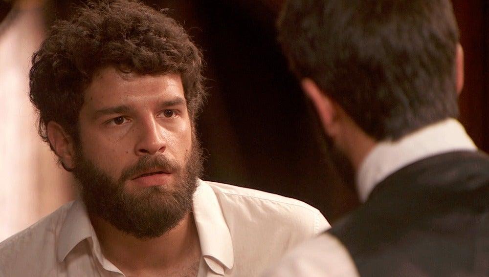 Bosco se enfada con Severo y Candela por su alianza para que vuelva al trabajo