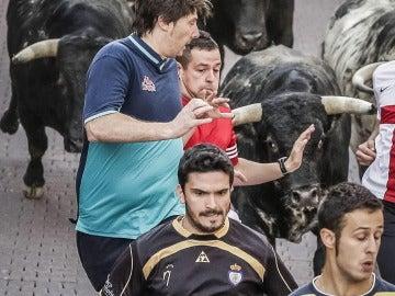 Los toros de El Estoque propiciaron un emocionante tercer encierro de Sanse 2015
