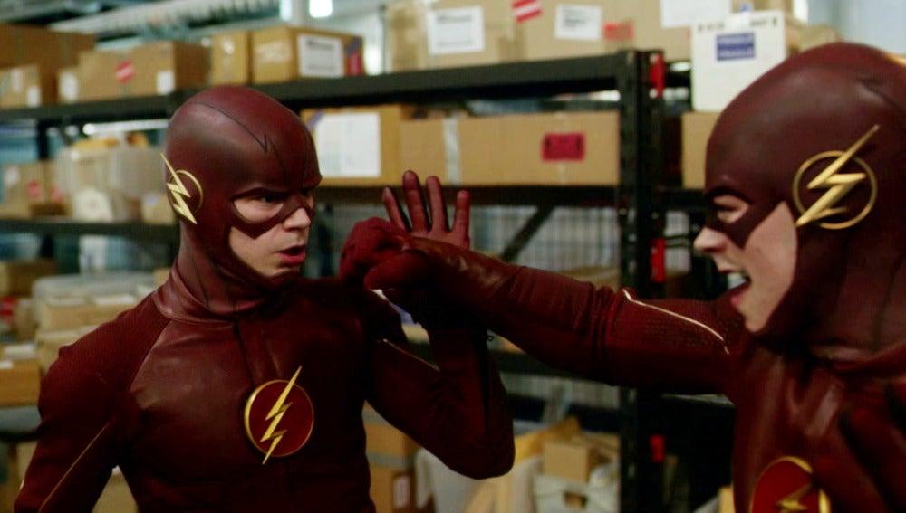 The Flash se enfrenta a un metahumano transformado en si mismo
