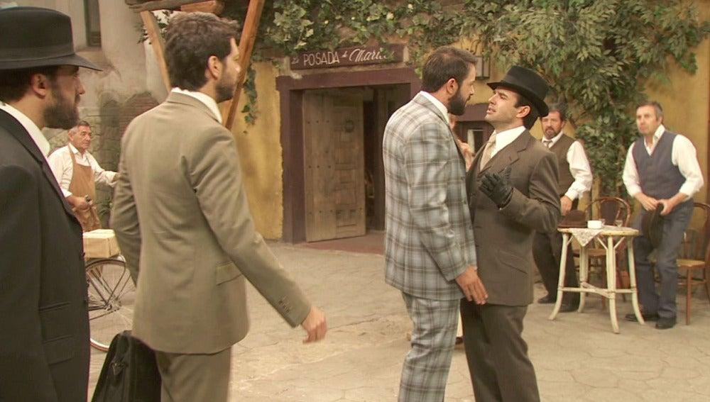 Severo y Carmelo discuten en público