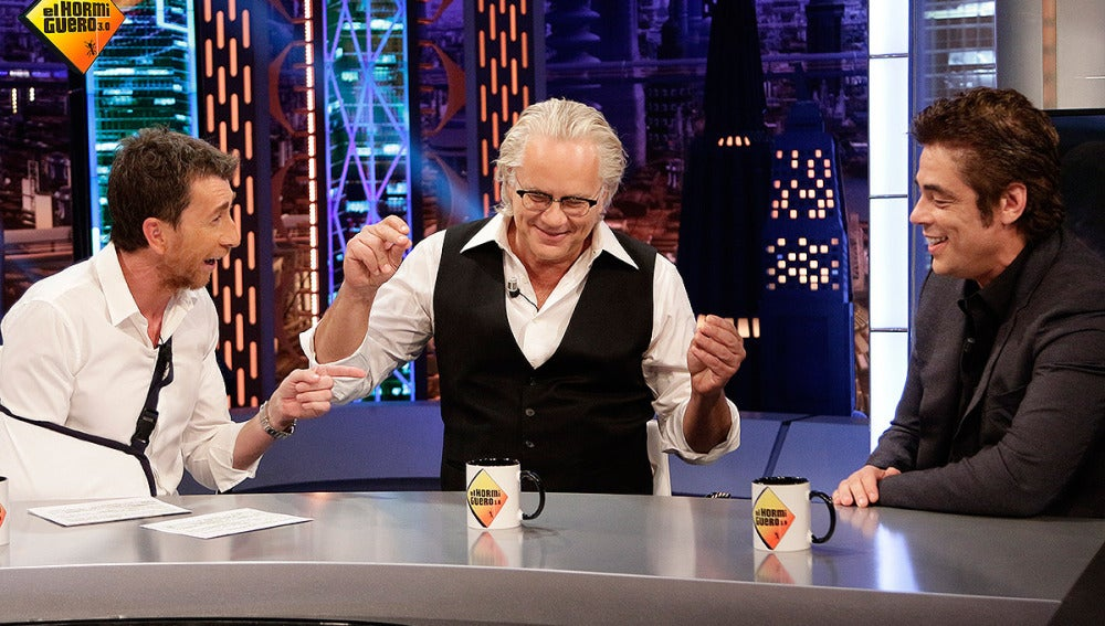 Benicio del Toro, Tim Robbins y Pablo Motos en El Hormiguero 3.0