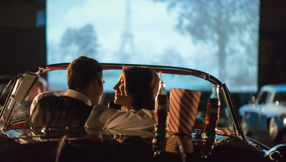 Alberto y Ana en el autocine