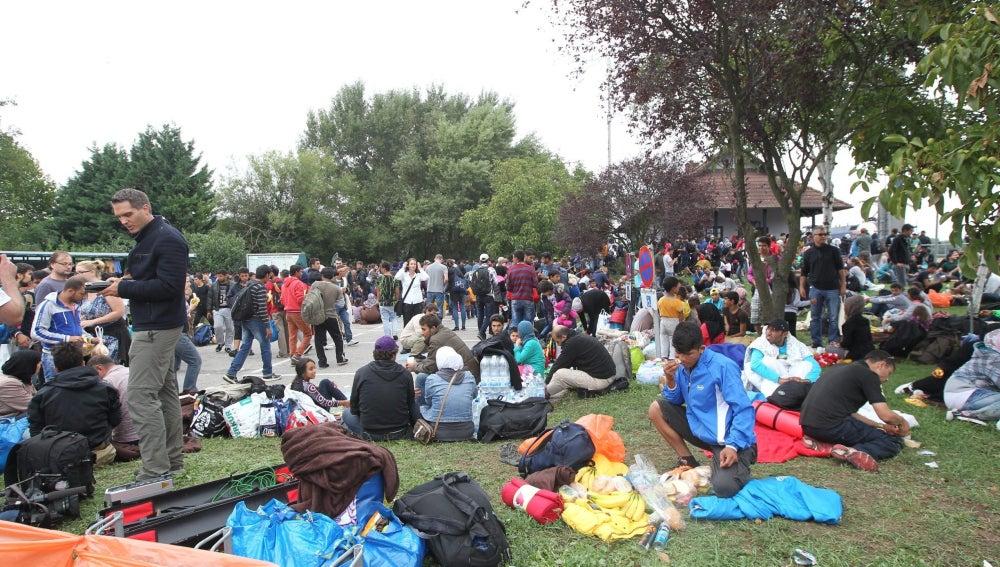 Más de 700 refugiados han pasado la noche al aire libre en Viena