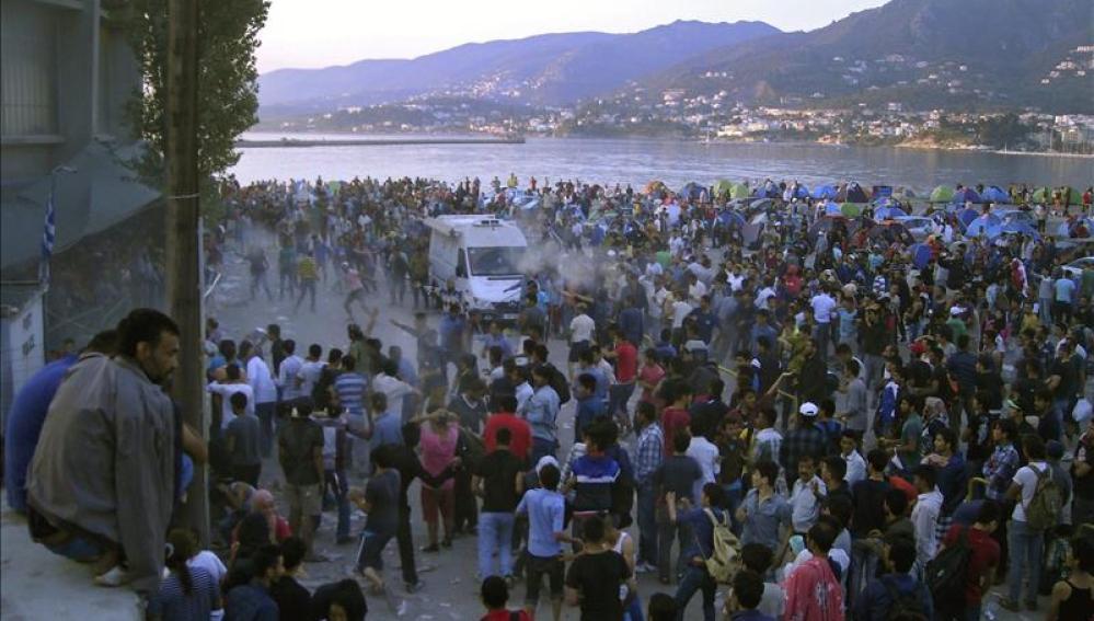 Más de 30.000 refugiados están atrapados en las islas griegas