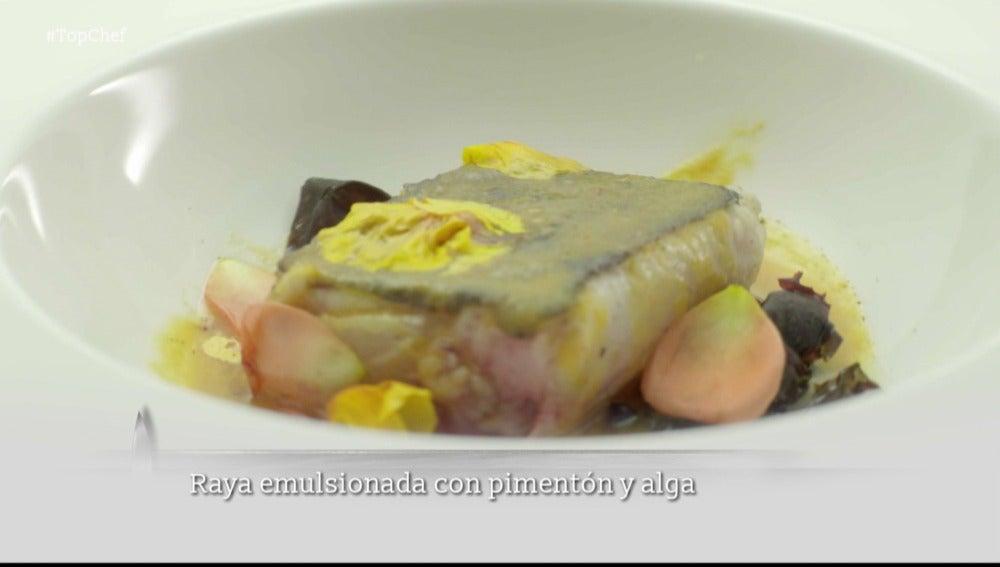 Raya emulsionada con pimentón y alga