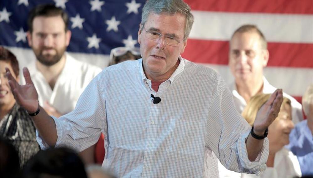 Bush durante su discurso en Miami