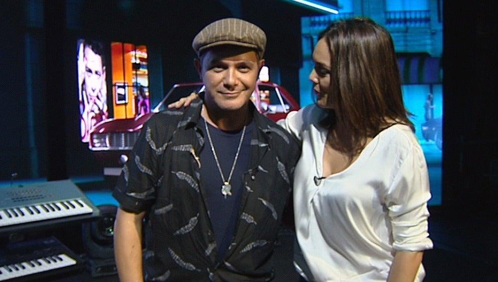 Mónica Carrillo con Alejandro Sanz
