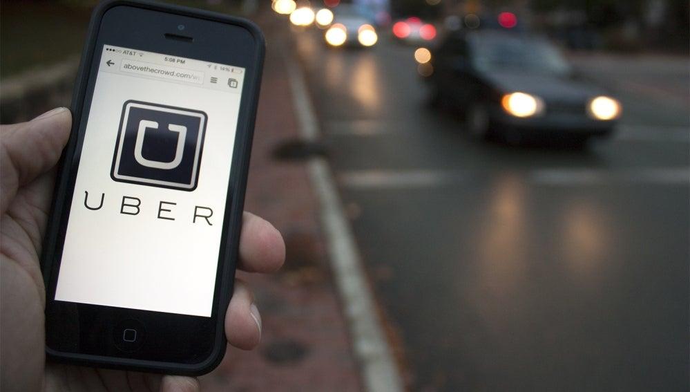 Uber va a por los coches autónomos