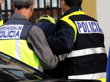 Presunto autor de la peregrina Denise Pikka custodiado por la Policía