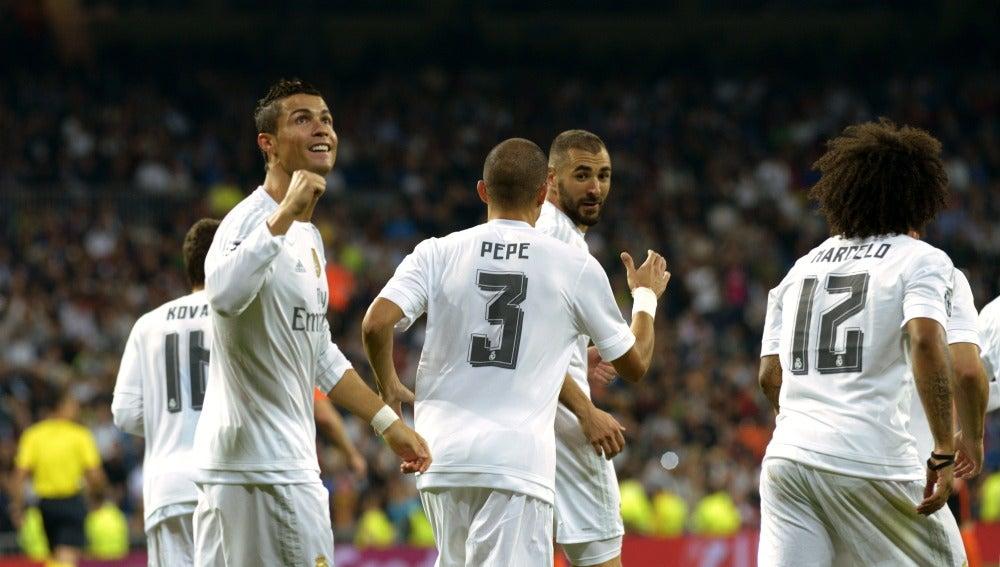 Un hat-trick de Cristiano marca el camino del Madrid