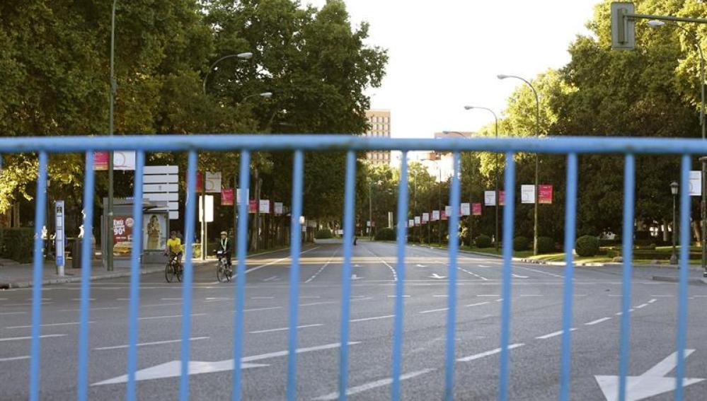 Paseo del Prado, cerrado
