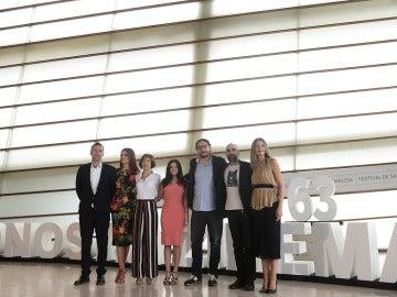 El equipo de 'El desconocido' en el Festival de San Sebastián