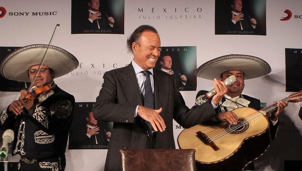 Julio Iglesias presenta 'México' y anuncia que será su último disco de estudio