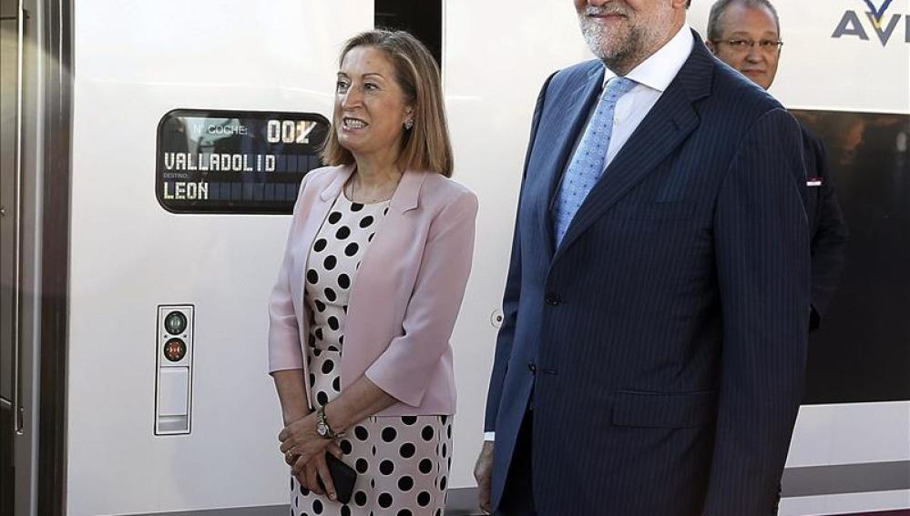 Rajoy inicia en Madrid el viaje inaugural del AVE a Palencia y León