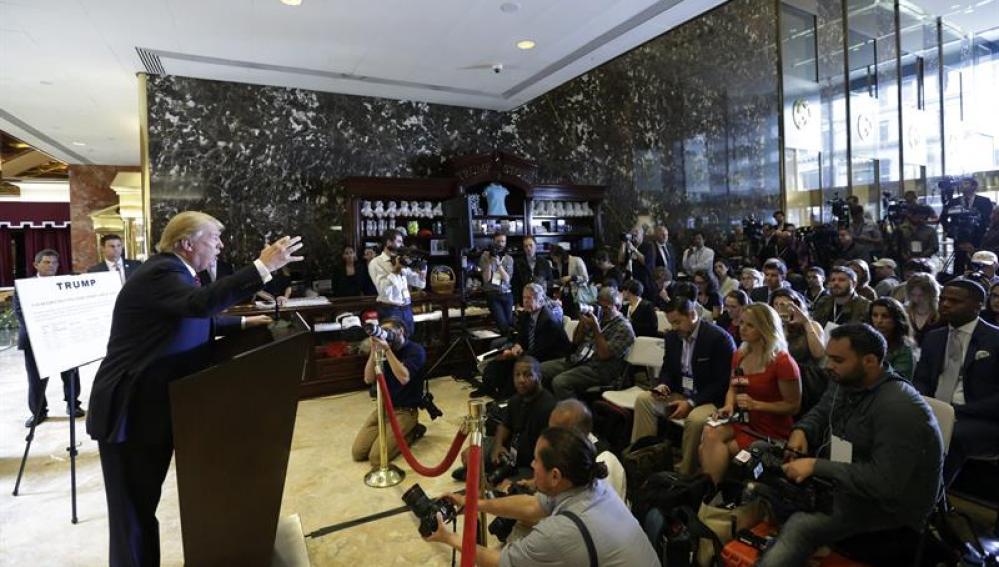 Donald Trump ofrece una rueda de prensa en Nueva York.