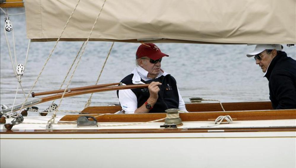 Juan Carlos I con el velero