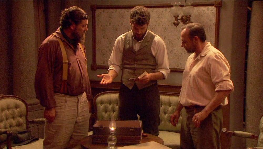 Puente Viejo C1171 - Bosco, Raimundo y Mauricio descubren un mapa que puede llevarles hasta Francisca