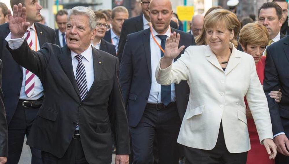 Gauck y Merkel comienzan en Fráncfort la celebración de la Alemania unida