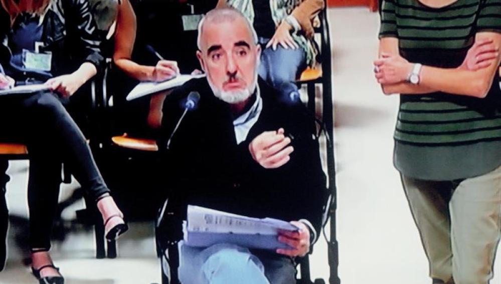 Alfonso Basterra, en una sesión del juicio por la muerte de su hija Asunta,