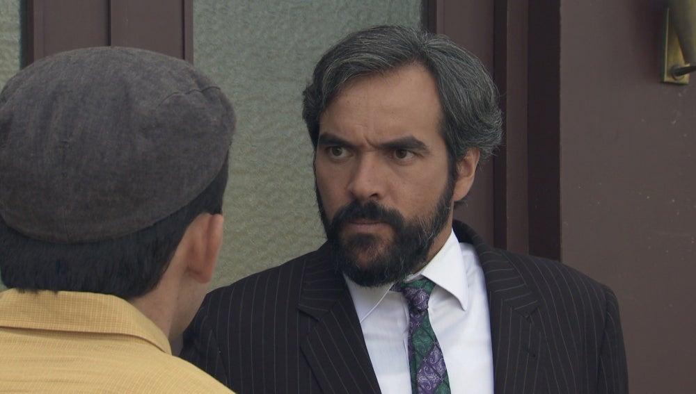 Ángel quiere participar en las peleas ilegales de Xosé