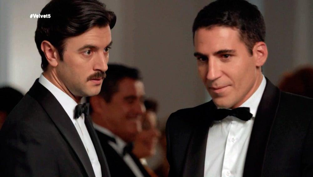 Mateo acompaña a Alberto a la fiesta donde estará Enzo