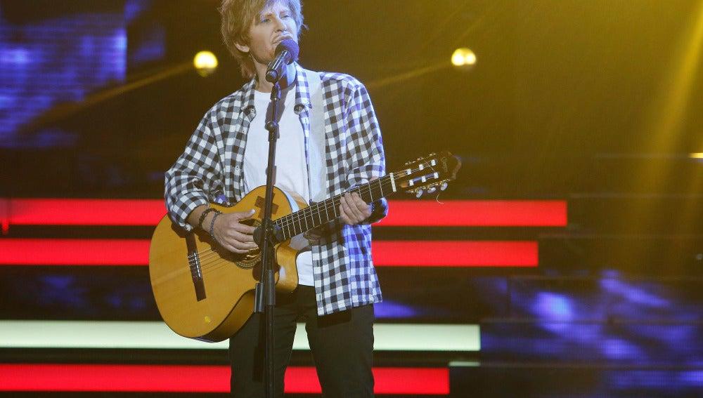 "Vicky Larraz imita a Ed Sheeran y su tema ""Thinking out loud"""